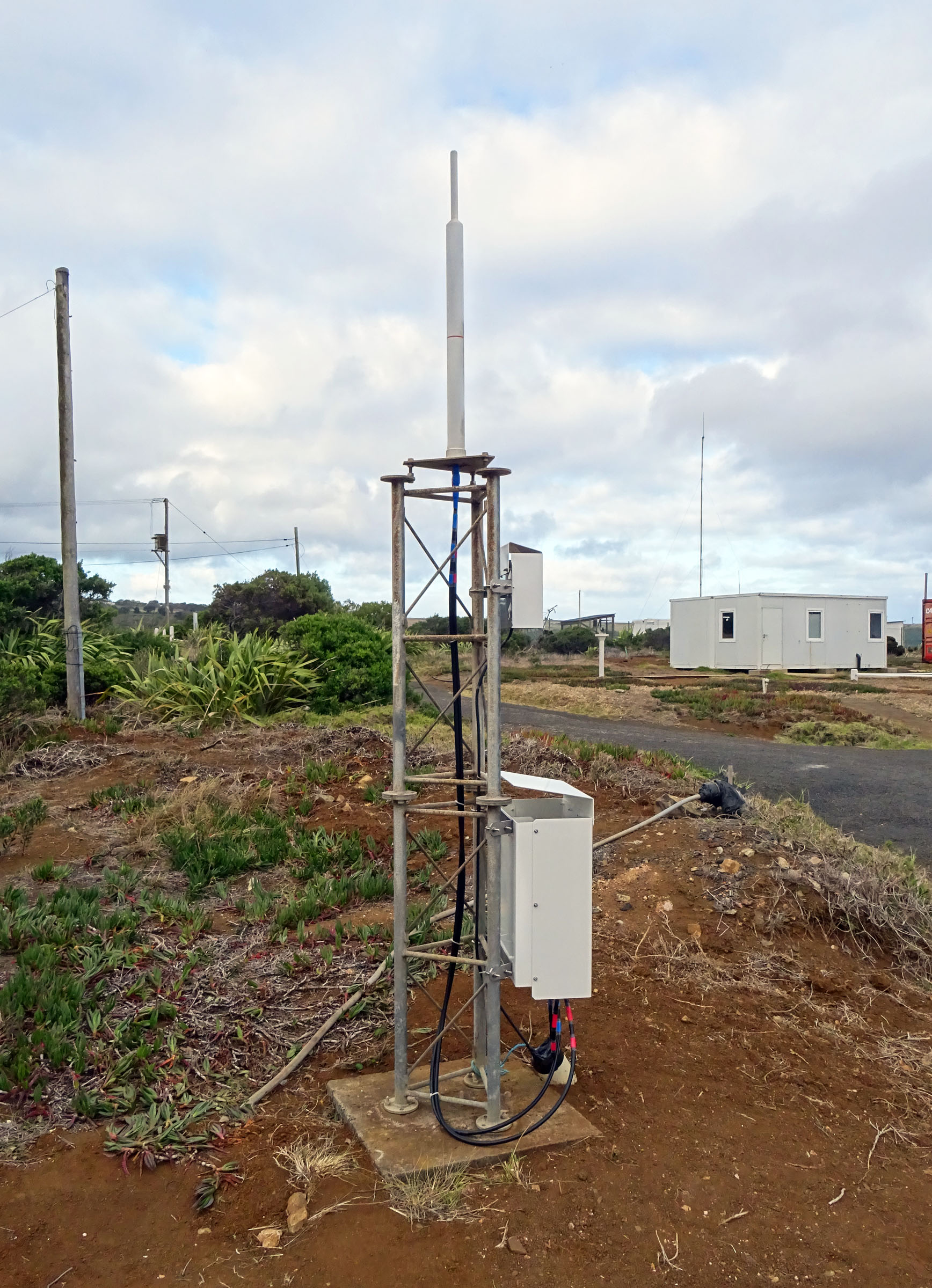 DORIS station: ST-HELENA - UNITED KINGDOM (South Atlantic Ocean)